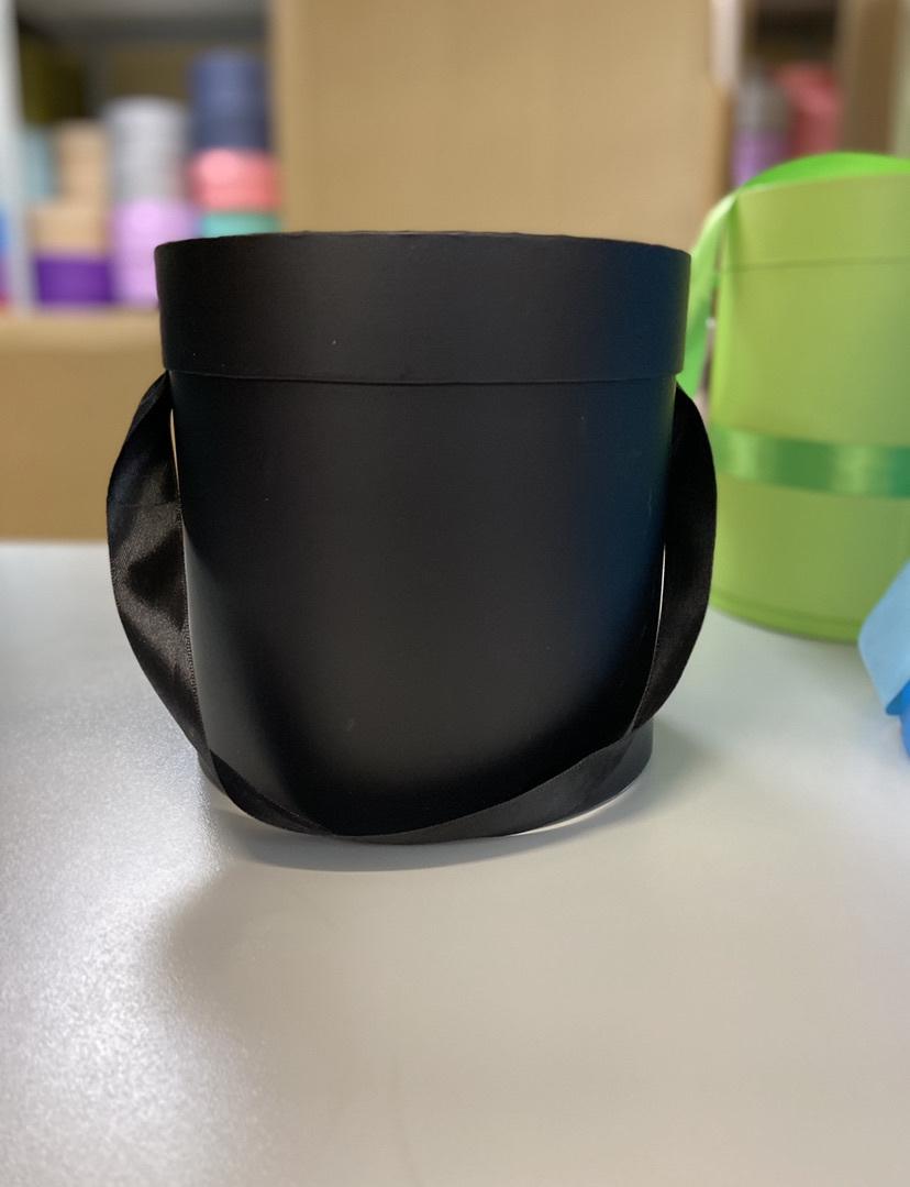 Шляпная коробка эконом вариант 20 см Цвет:Черный. Розница 350 рублей .