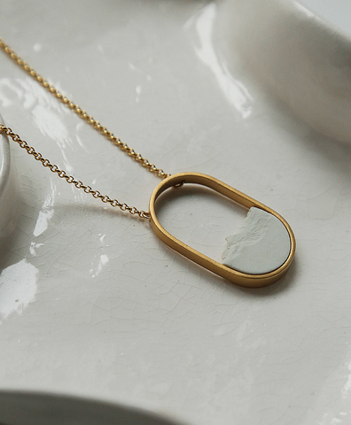 Колье OVAL MINI GOLD WHITE