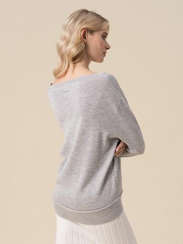 Женский джемпер светло-серого цвета из 100% кашемира - фото 2