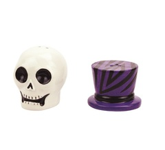Набор солонка и перечница Boston Warehouse Witch Doctor Skull