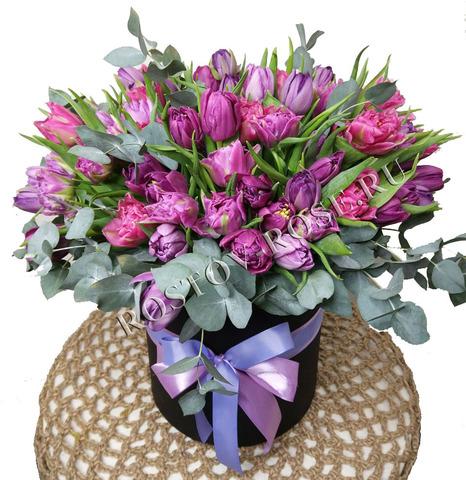Букет из 101 сиренево-фиолетового пионовидного тюльпана