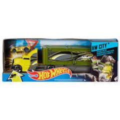 Hot Wheels Crashing Big Rigs Playset