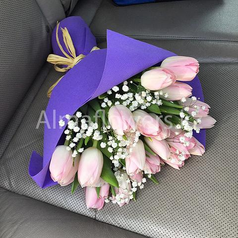 Букет из 19 нежно розовых тюльпанов