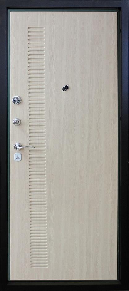 металлические большие светлые двери