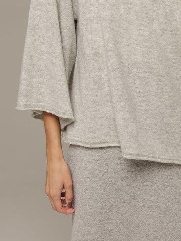 Женский серый джемпер свободного кроя из 100% кашемира - фото 4