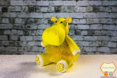 Бегемотик желтый в желтой пачке