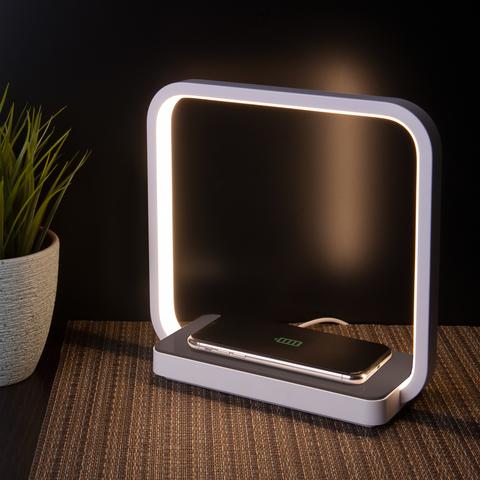 Светодиодная настольная лампа с беспроводной зарядкой QI 80502/1 коричневый