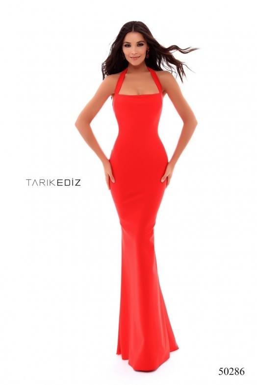 Tarik Ediz 50286 Платье в пол, юбка длинная и облегающая фигуру со шлейфом