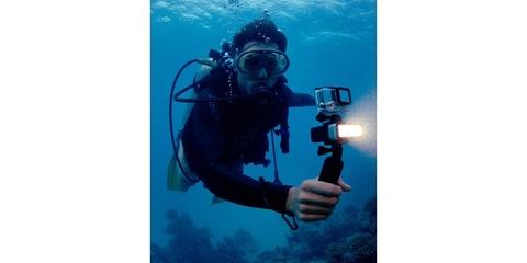 Светодиодный LED фонарь SP POV Light 2.0 под водой