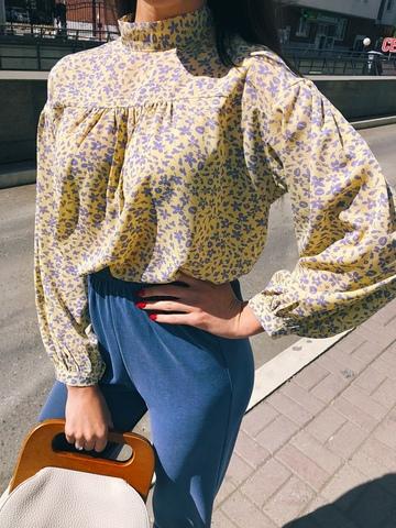 Шифоновая блузка с завязками на воротничке