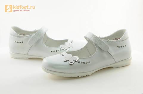 Туфли Тотто из натуральной кожи на липучке для девочек, цвет Белый, 10204D. Изображение 11 из 16.