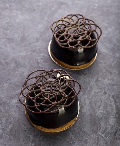 Пирожное шоколад -карамель