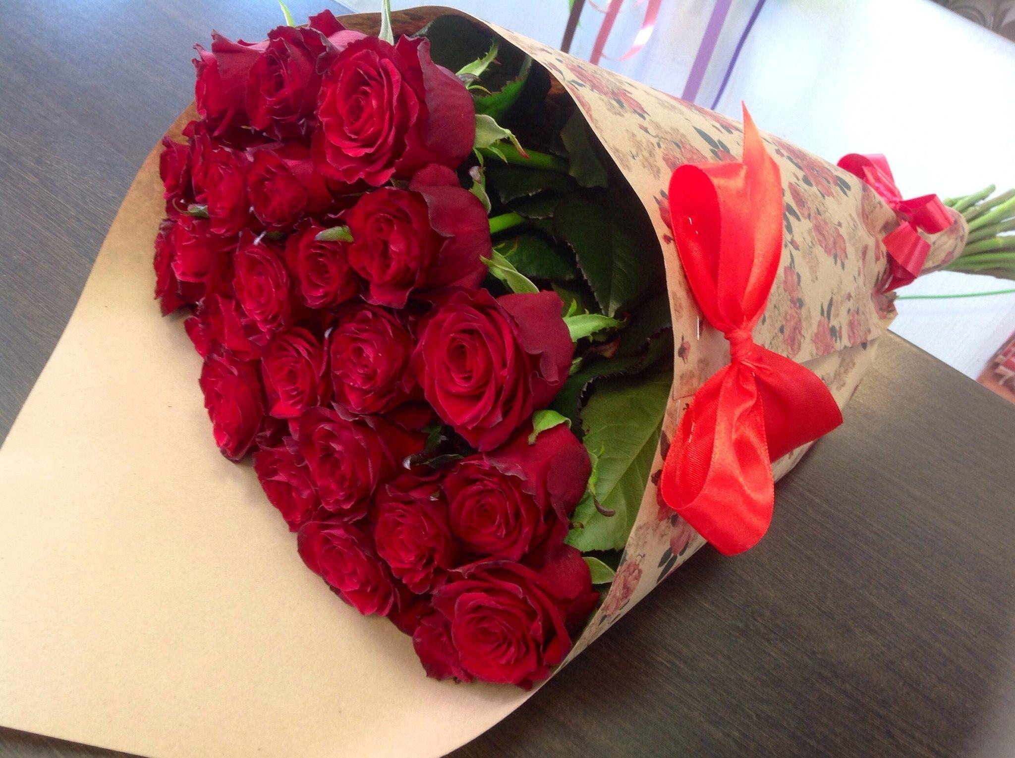 Картинки цветы букеты роз в руках, выходом