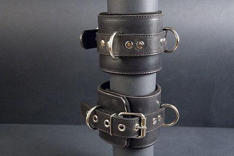 Наручники БДСМ «ХХХ» с 3-мя D-кольцами с цепочкой в комплекте