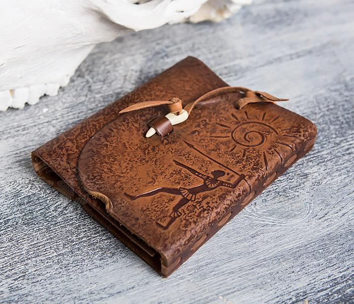 BY01-04-02 Блокнот «Охотник» с обложкой из натуральной кожи с застежкой - клыком (А6) фото 03