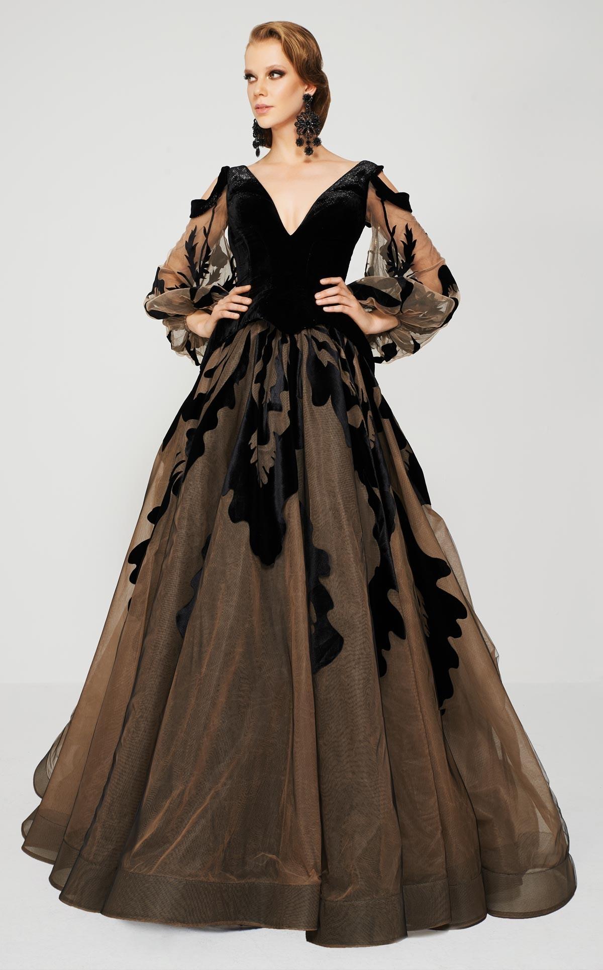 Simone 24500 Платье длинное пышное, рукава длинные и воздушные