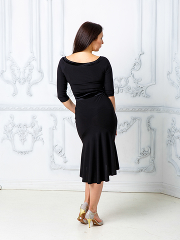 Платье декольте с бархатом
