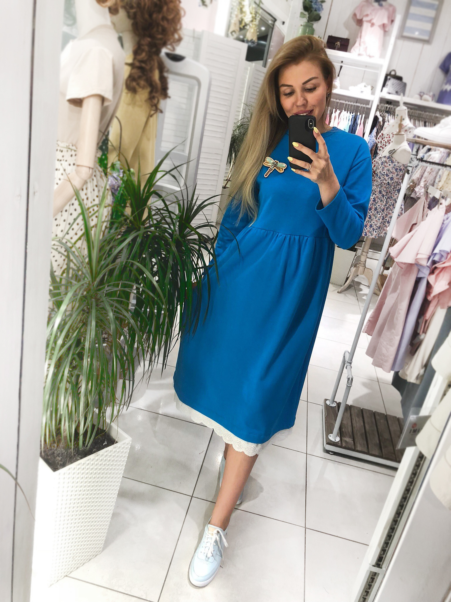 Свободное платье с кружевом MolliStudio