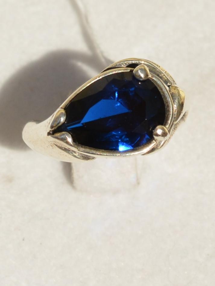 Капля (кольцо из серебра)