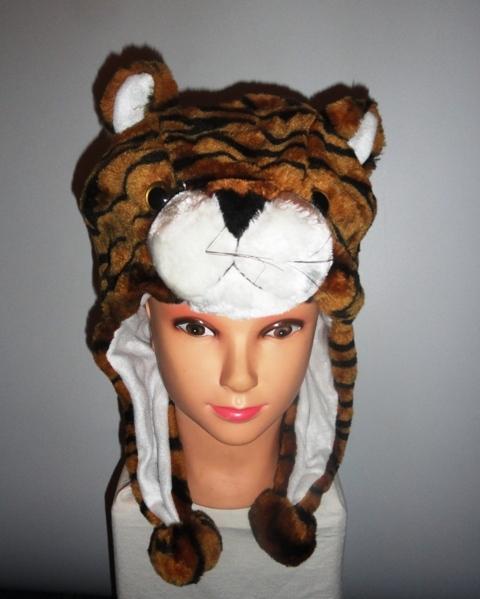 Шапочка с тигром