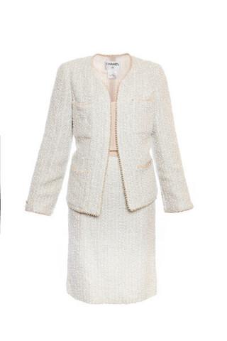 Эксклюзивный твидовый костюм с отделкой из жемчуга от Chanel, 42 размер