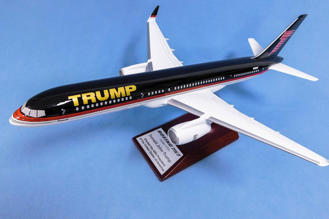 Модель самолета Boeing 757 (М1:100, TRUMP)