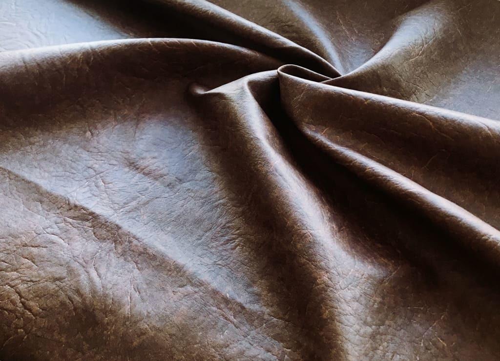 Искусственная кожа 47 темно-коричневое тиснение