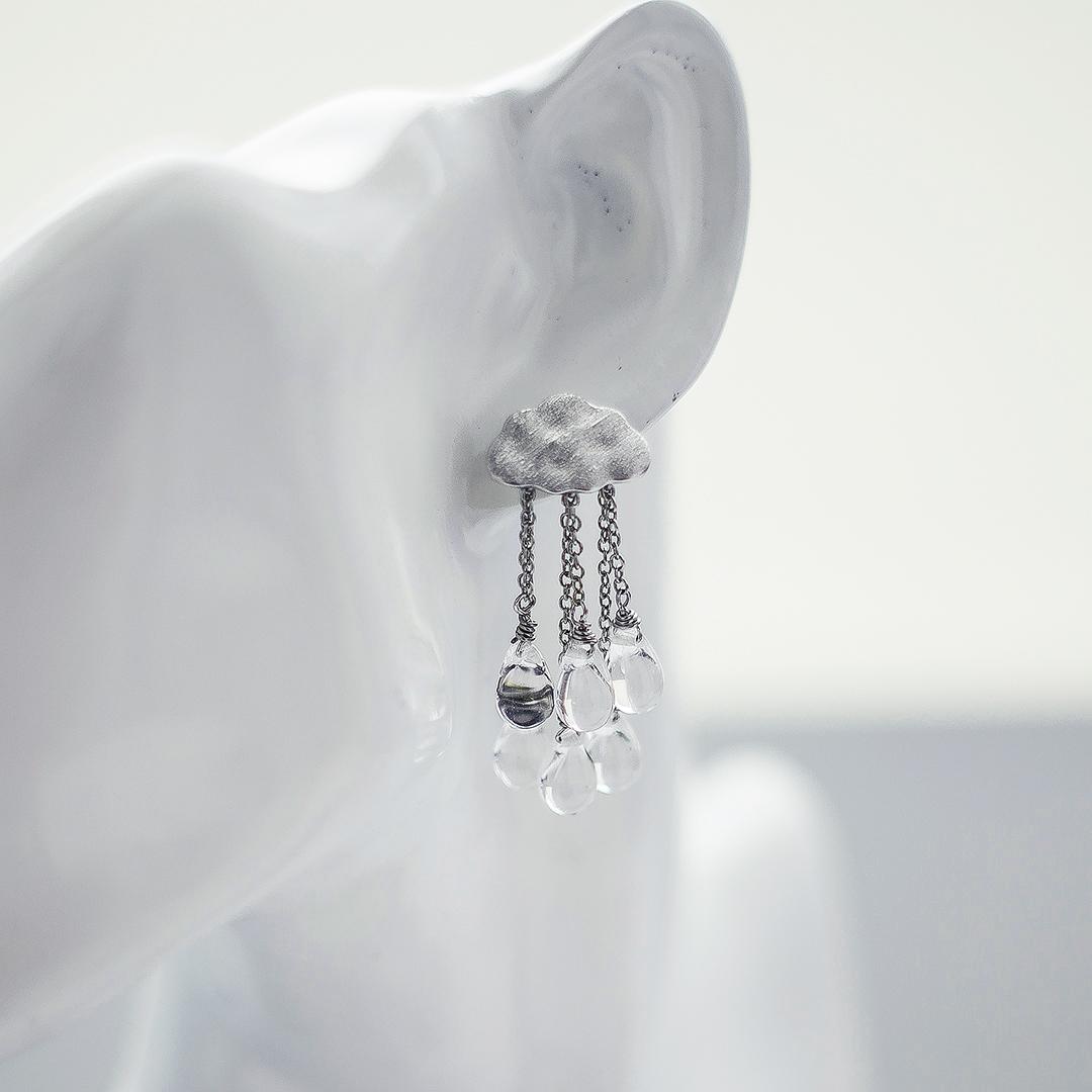 Моносерьга «тучка» с каплями из чешского стекла  оптом и в розницу