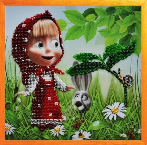 Маша на поляне