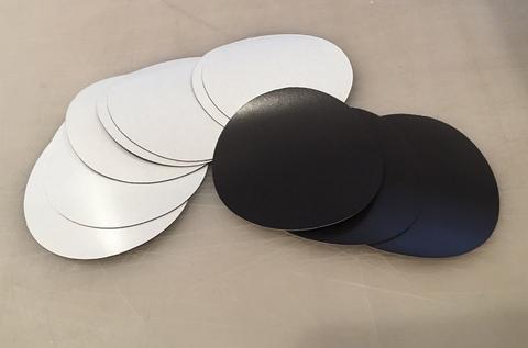 Магнитный винил 0.4 мм (круг) диаметр 85 мм с клеем