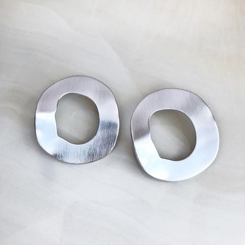 Серьги Кружки, серебряный цвет