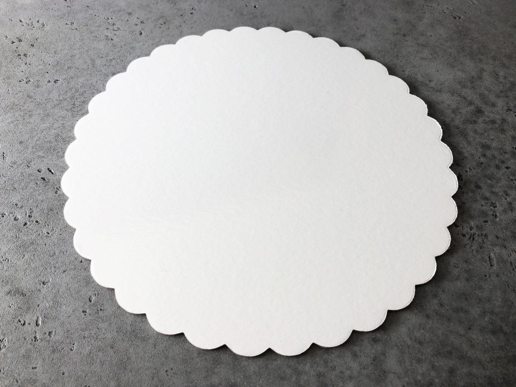 Подложка узорная белая/золотая 28 см, 3,2 мм
