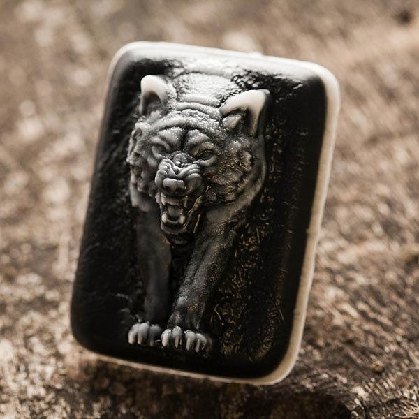 Пластиковая форма для мыла Волк из темноты