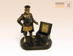 статуэтка Купец с сундуком