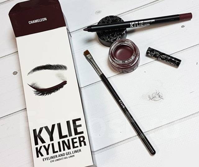 НАБОР KYLIE COSMETICS KYLINER KIT
