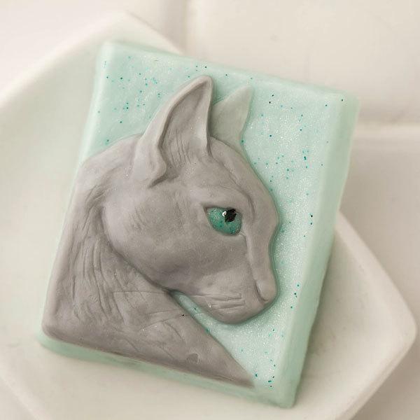 Пластиковая форма для мыла Кошка