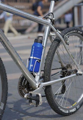 Бутылка для воды Esbit MAJORIS DB680TL-B, из нержавеющей стали, синяя, 0.68 л