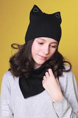 022Р Шапка-кошка двухслойная с сердечками. Черная.