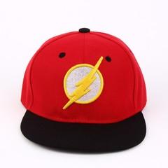 Кепка с логотипом супер героя Flash (Бейсболка Флэш) красная с черным козырьком