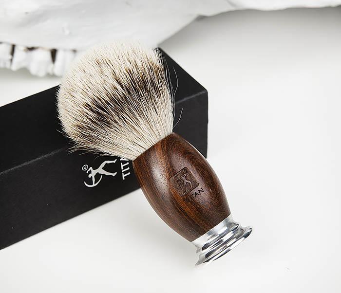 RAZ437-2 Помазок для бритья TITAN, барсучий волос