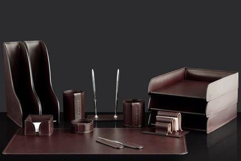 На фото набор на стол руководителя арт.73617 13 предметов кожа LUX Full Grain цвет