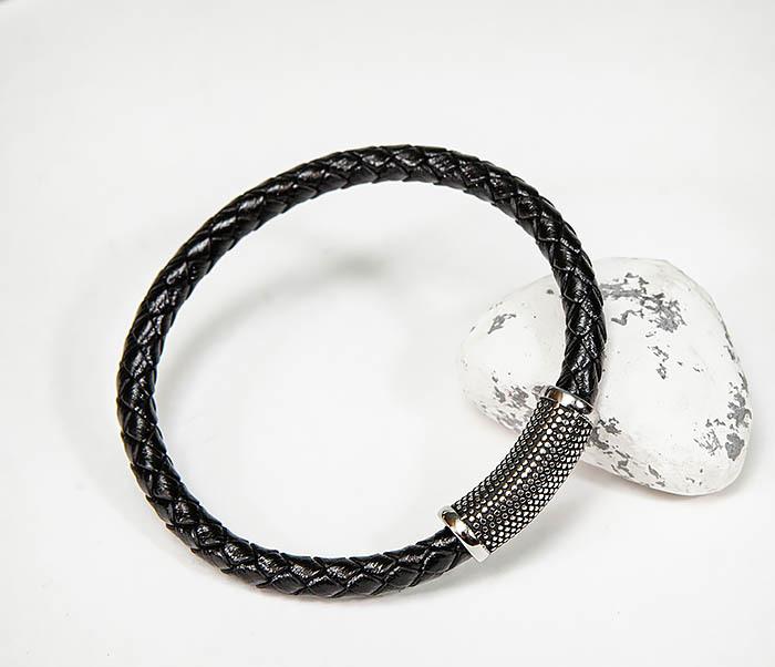 BM585 Браслет в виде кожаного шнура с магнитной застежкой