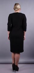 Арина креп. Базовое платье больших размеров. Черный.
