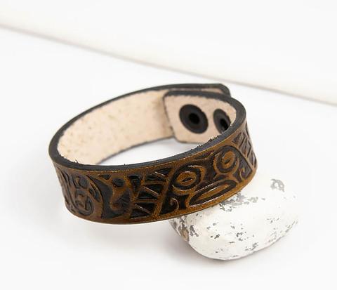 Браслет ручной работы с полинезийским узором