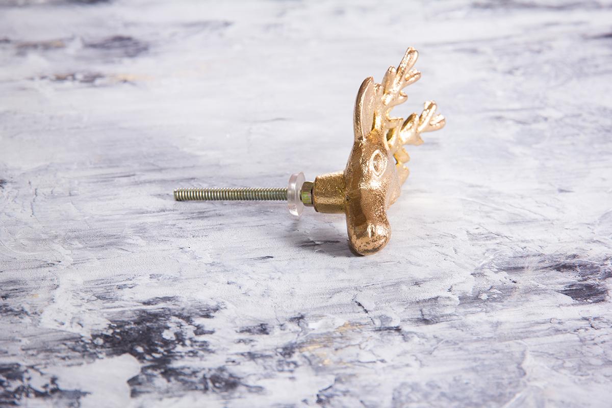 Ручка мебельная металлическая - олень позолоченный, арт. 000810