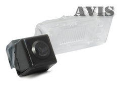 Камера заднего вида для Volkswagen Passat B7 Avis AVS312CPR (#102)
