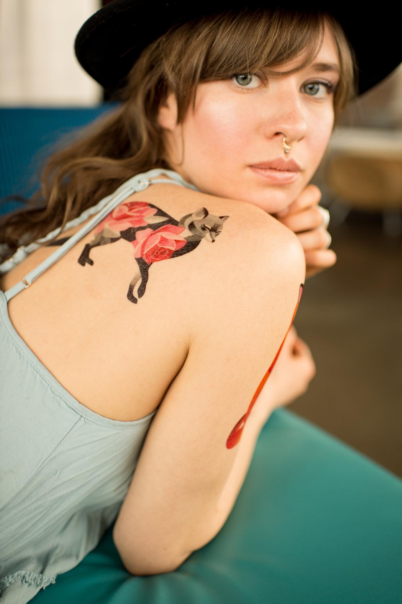 Переводная татуировка Rose fox