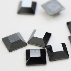 2400 Стразы Сваровски горячей фиксации квадратные Jet Hematite (6 мм)