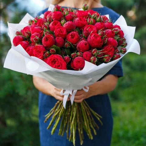 Букет из 51 пионовидной розы Red Piano