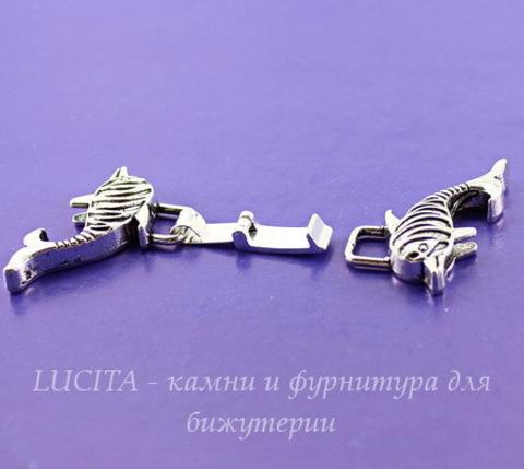 "Замок для шнура 12х2 мм из 2х частей ""Дельфины"", 49х38 мм (цвет - античное серебро)"